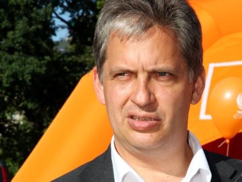Jiří Dienstbier představil svůj program na tiskové konferenci