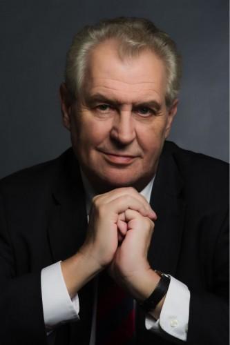 Miloš Zeman zveřejnil svůj oficiální portrét