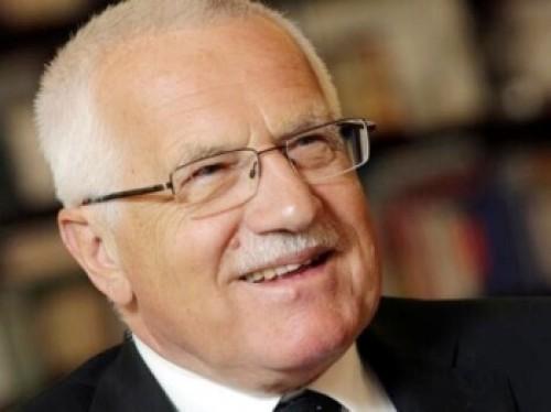 Současný prezident Václav Klaus v čínské reklamě na kolo