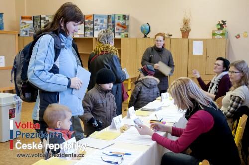 Voličský (volební) průkaz a hlasování mimo trvalé bydliště